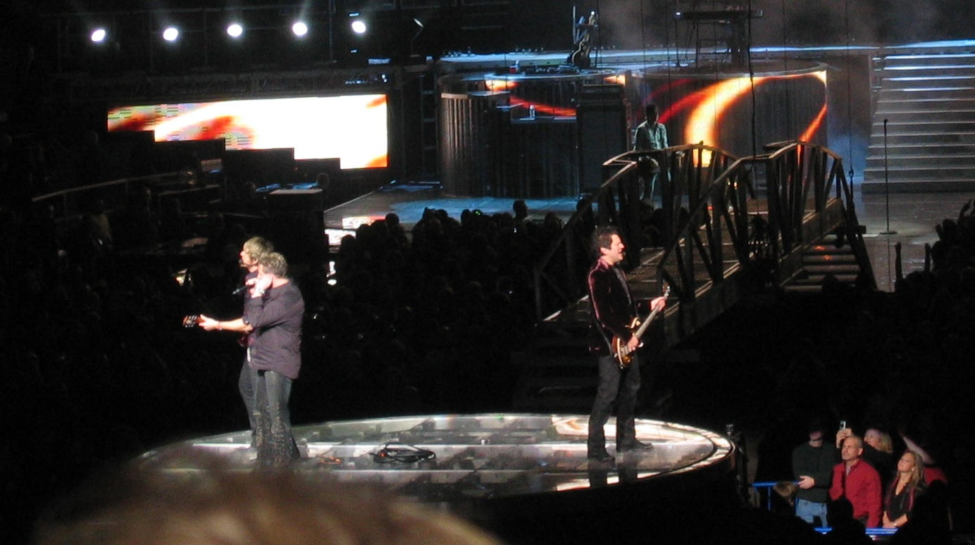 Opening Number from Rascal Flatts at MSG