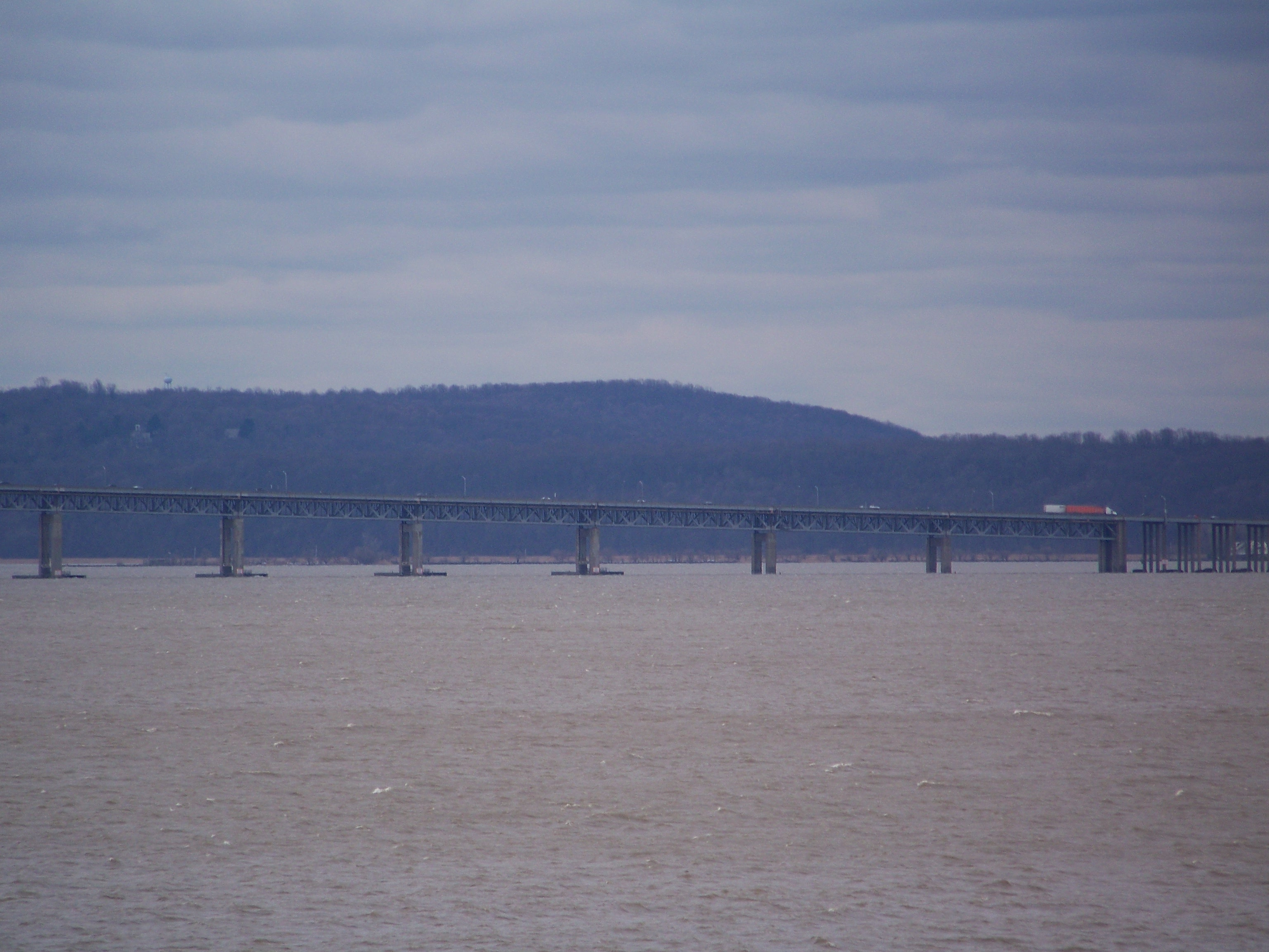 Kodak Z712IS Zoom Tappan Zee Bridge