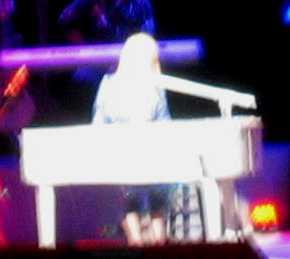 Dolly Piano