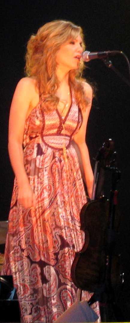 Alison Krauss Singing