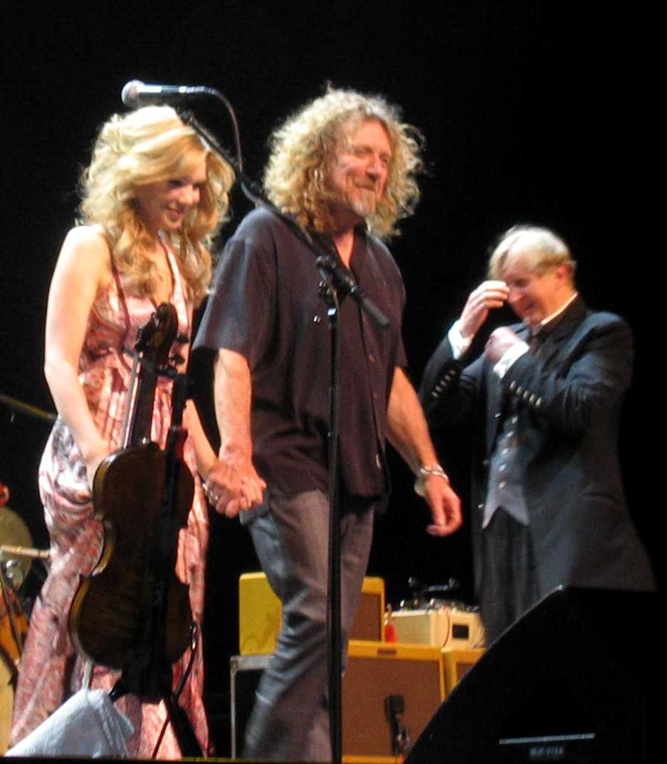 Robert Plant Alison Krauss T-Bone Burnett Beaming