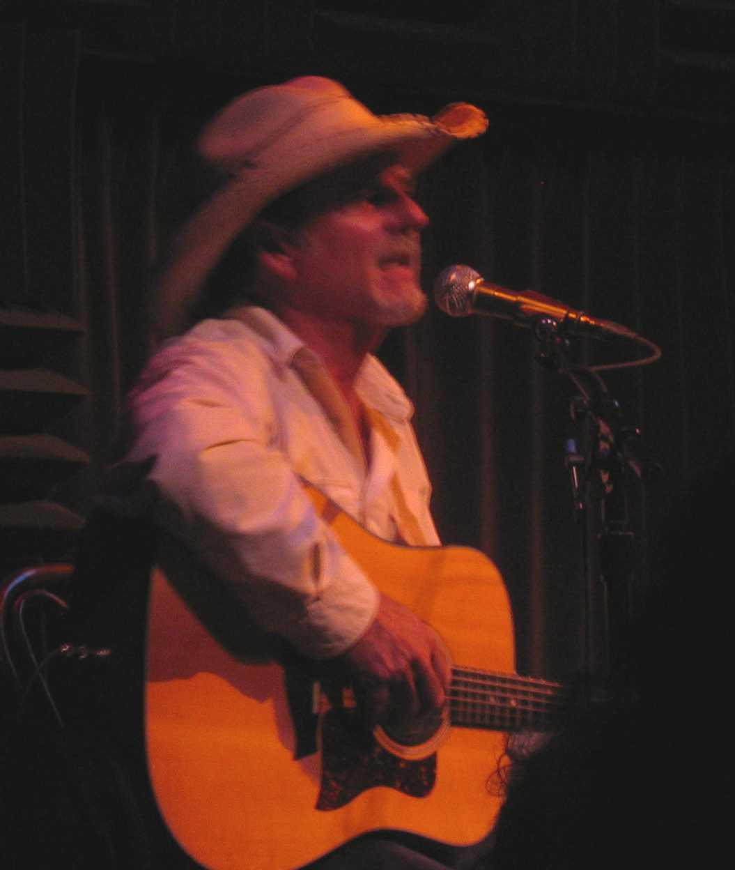 Sam Tate Singing